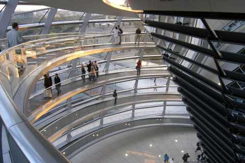 Tour in German: Reichstag Dome & Government District