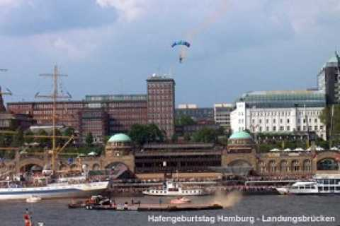 Traditional Harbor Tour in Hamburg