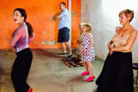 Flamenco Dance Lesson: 60-Minute Class in Seville