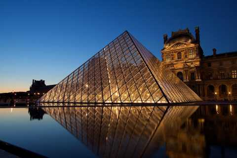 A Day in Paris: Louvre Reserved Access and 1-hour Cruise