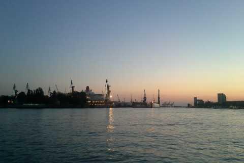 Scavenger Hunt through the Port of Hamburg