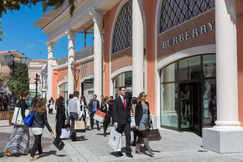 Ab Rom: Ganztägige Shoppingtour im Outlet Castel Romano