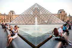 Museu do Louvre em Paris: Tour Guiado c/ Ingresso