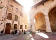 Tour mit Guide ab Florenz: San Gimignano, Siena und Chianti