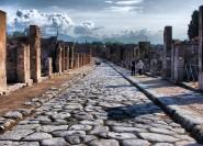 Ab Neapel: Tagestour Pompeji & Amalfiküste mit Mittagessen