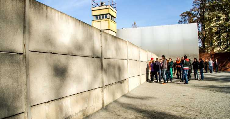 Berlin Wall: 1-Hour Private Walking Tour of the Divided City