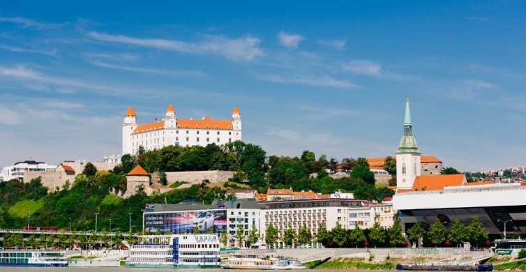Bratislava: tour in autobus e in barca da Vienna