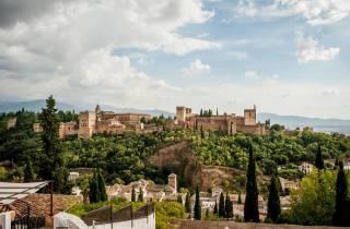 Granada: E-Bike-Tour und Alhambra-Ticket ohne Anstehen