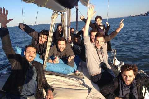 Tour privato di 2 ore a Lisbona in barca a vela