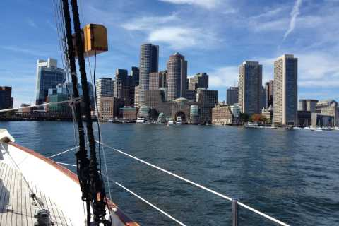 Boston: Downtown Harbor Sailing Cruise