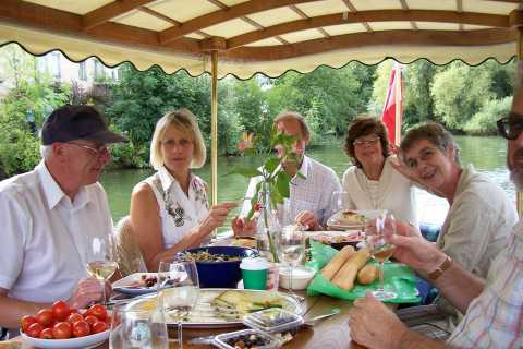 Oxford: Scenic Sightseeing Cruise with Gourmet Picnic