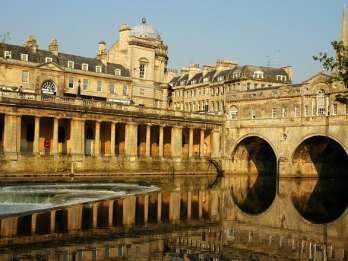 Ab London: Ganztägige Bustour nach Stonehenge & Bath
