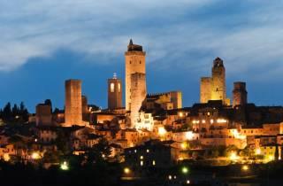 Siena & San Gimignano am Abend: Tour mit Abendessen