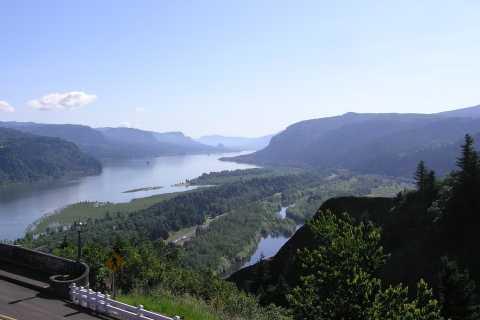 Portland: Half-Day Tour of Multnomah Falls & Columbia River