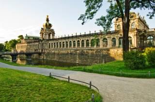 Dresden: Schmunzelführung mit Sektempfang