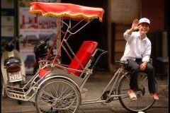Excursão de comida de rua a pé em Hanói e Cyclo