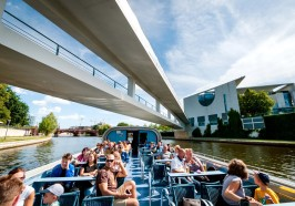 What to do in Berlin - Berlin: 3.5-Hour Spree & Landwehrkanal Boat Tour