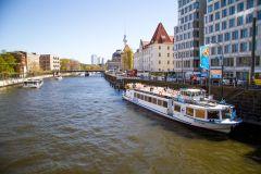 Berlim: Passeio de Barco de Duas Horas e Meia no Rio Spree