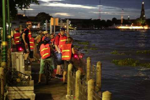 Bangkok at Sunset 5-Hour Bike Tour