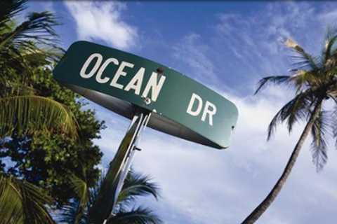 Tour privado por Ocean Drive por Legendary Vintage Convertible