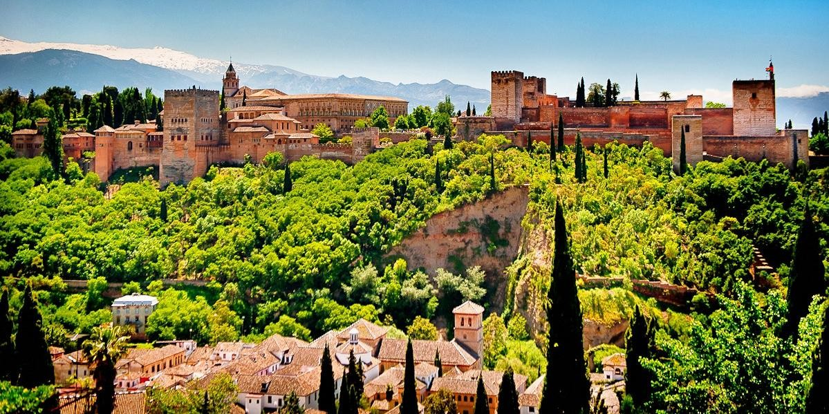 Granada: Full-Day Trip from Seville with Transfers