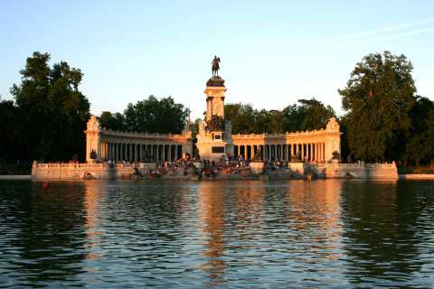 Private City Tour Madrid with Driver and Guide