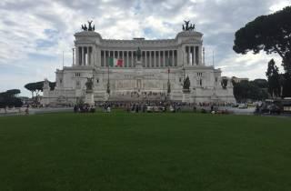 Rom: Private Tagestour mit Sightseeing ab Civitavecchia