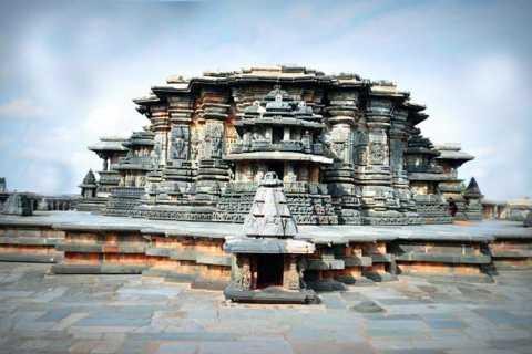 Day Excursion of Belur, Halebeedu & Shravanabelagola