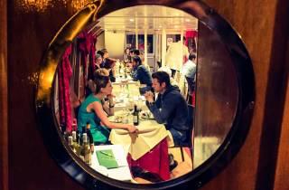 Rom: Bootsfahrt auf dem Tiber mit Abendessen