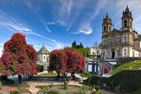 From Oporto: Braga and Guimarães Full-Day Tour with Lunch