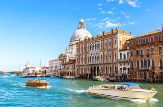Venedig: Privates Wassertaxi zwischen Flughafen & Innenstadt