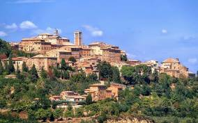 Pienza and Montepulciano Full-Day Wine Tour