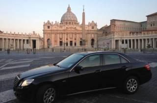 Rom: Privater Transfer vom Flughafen Fiumicino nach Neapel