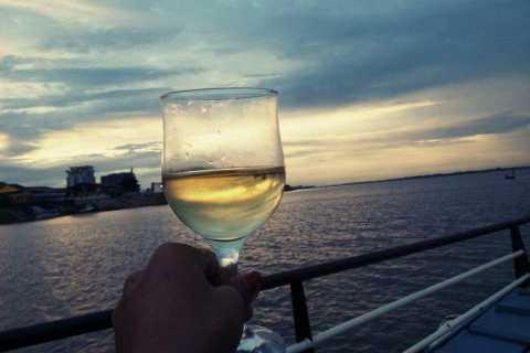 Phnom Penh: Mekong River Sunset Cruise with BBQ Buffet