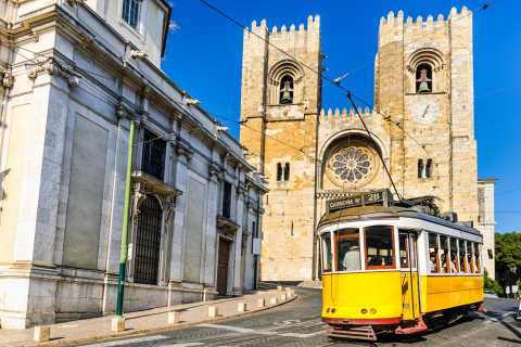 Full Day Private Tour: Lisbon's Heritage and Modernity