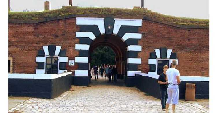 Prague: Premium Licensed Terezin Concentration Camp Tour