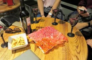 Madrid: Ibérico-Schinken & spanischer Wein Kleingruppentour