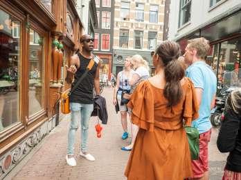 Kultureller Ganja-Rundgang zu ausgewählten Coffee-Shops. Foto: GetYourGuide