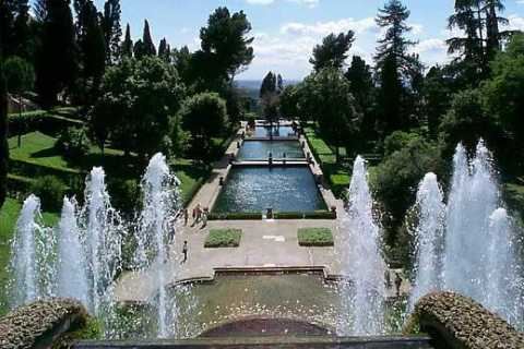 Tivoli Day Trip: Hadrian's Villa and Villa d'Este with Lunch
