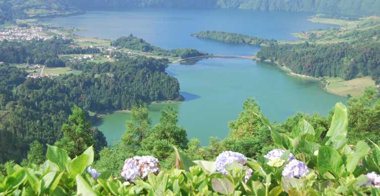 Sete Cidades and Lagoa do Fogo Full-Day Tour with Lunch