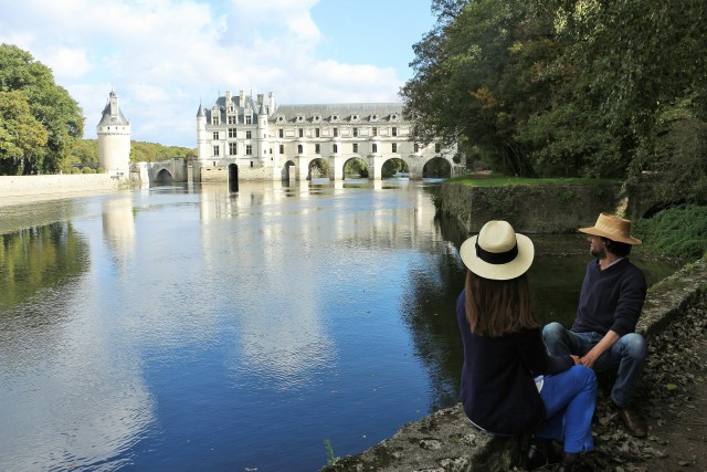 From Tours: Chambord, Chenonceau & Lunch at Family Chateau