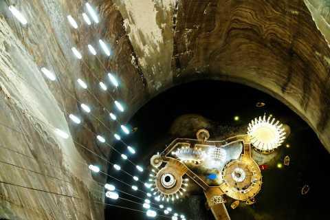 Cluj-Napoca: Turda Salt Mine & Alba Carolina Fortress Tour