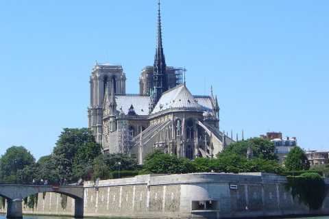 Paris: Notre-Dame Walking Tour with Lunch & Boat Cruise