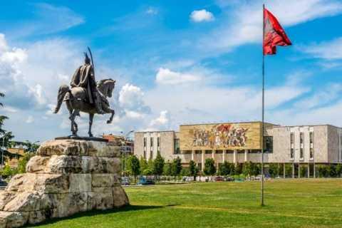 Tour a pie por Tirana