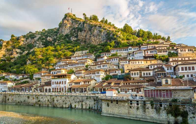 ティラナからの終日Berat旅行 - ティラナ, アルバニア | GetYourGuide