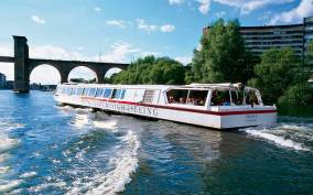 Stockholm: 2-Hour Under the Bridges Boat Tour