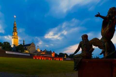 Czestochowa: Small-Group Tour from Warsaw including Lunch