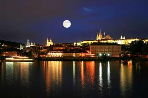 Prag: rundvandring på kvällen med panoramautsikt