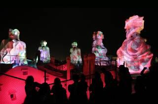 Barcelona: La Pedrera Tour am Abend