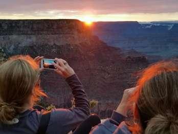 Ab Sedona: Grand Canyon - Tagestour mit Sonnenuntergang